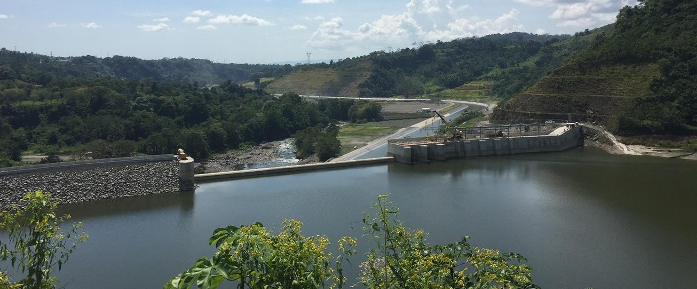 Bajo Frío-dammen og vannkanal | Foto:Jørn Stave, Multiconsult
