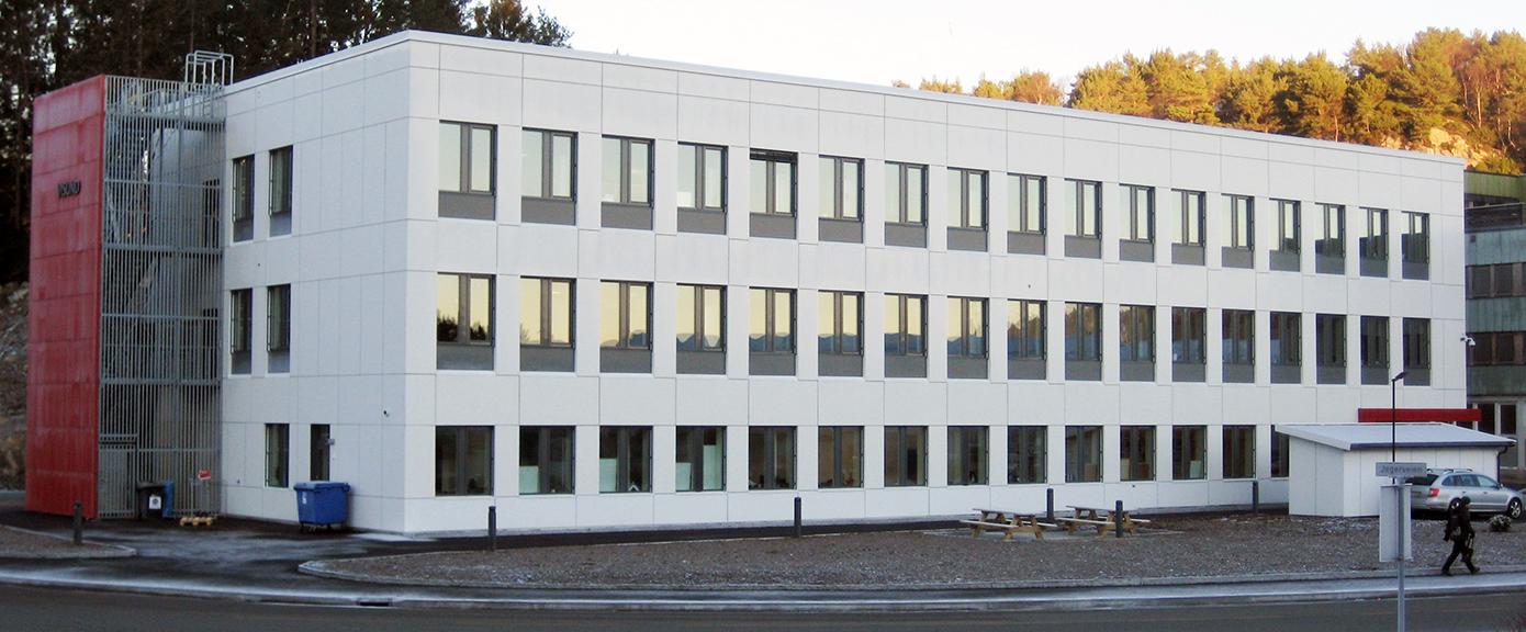 Kontorbygget Visund sett fra sør-vest   Foto: A. Lunde, Forsvarsbygg