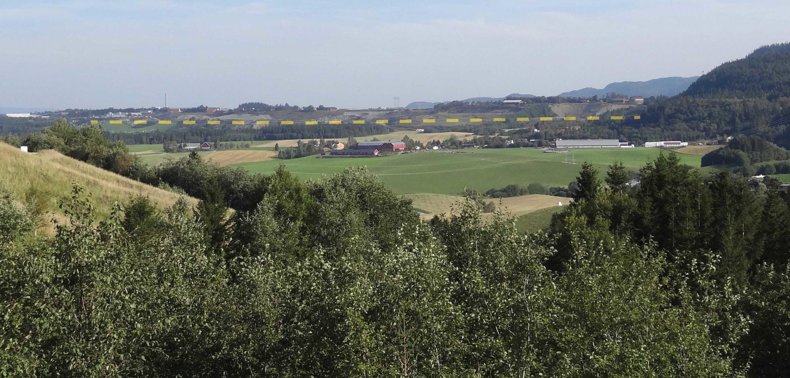 Torgård sett fra sør med terminalområdet vist med gul stiplet linje   Foto: Multiconsult